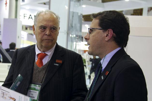 Djalma Luiz Rodrigues, diretor da Fanem, e Douglas Pesavento, CEO da Sensorweb. (Foto: Fanem, 2015)